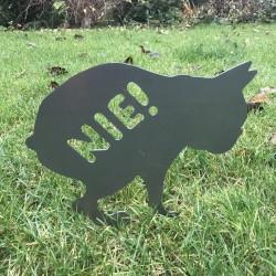 Znak Rdzawy Kupol wbity w trawnik