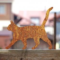 Rdzawy Lolek piękny kotem na płocie
